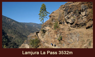 Lamjura La, mountain pass sacling 3532m, in the Everest region of Nepal, that offers splendid mountainous panorama.