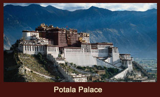 Potala Palace, the former residence of spiritual leader Dalai Lama in Tibet.