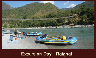 Leisure day at Rai Ghat, during the Sunkoshi River Rafting in Nepal.