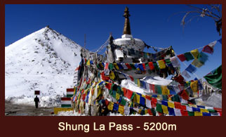 Shung La Pass at (5200m) in Tibet offers enchanting views Mt. Shishapangma, Mt. Cho Oyu, Mt. Menlungtse and Mt. Gauri Shankar.